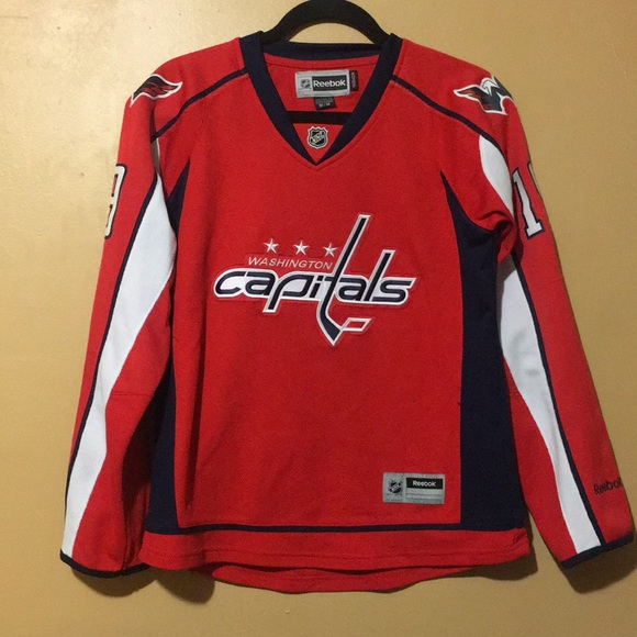 Women s Reebok Washington Capitals jersey. M 5aab17205521bea434fdd8c4 5fa9a096b2